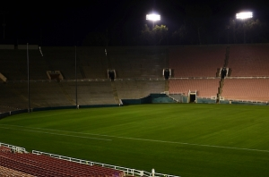 Lights out at Rose Bowl